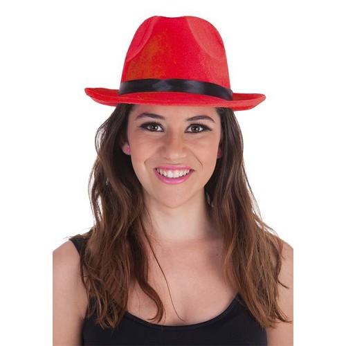 Gangster de chapéu Surt Lux.